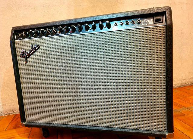 Amplificador Fender Ultimate Chorus 130w Marshall Vox Orange laney blackstar peavey - Foto 2