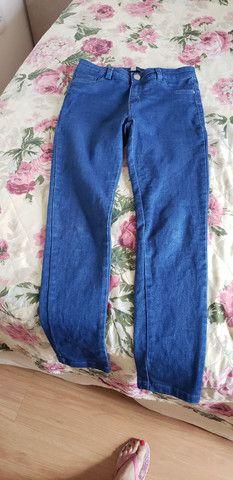 Calça jeans feminina número 38  ( veste 40 ) - Foto 2