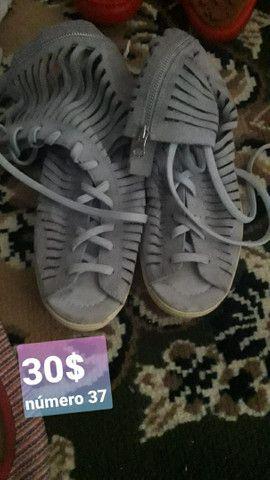 Sandálias usadas e seminovas - Foto 6
