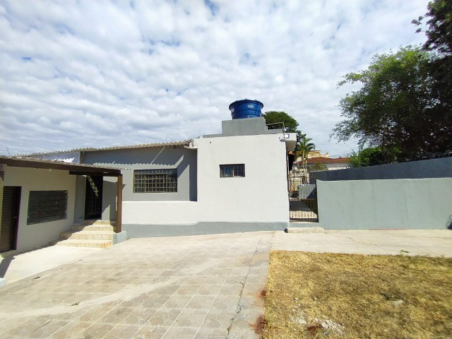 Linda Casa Amambai Próxima do Centro com 4 Quartos**Venda** - Foto 7