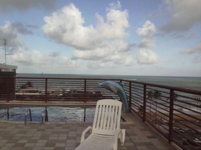 Apartamento quarto e sala, no Bairro de Jatiúca, a 50m da praia