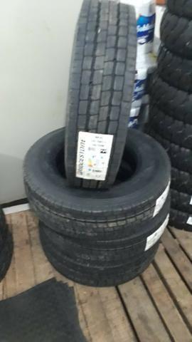 Pneus Bridgestone 215/75R17.5 126/124M