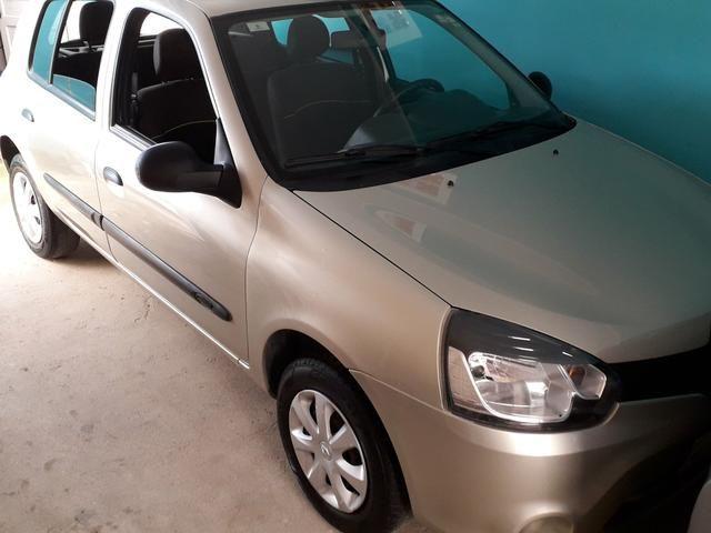 Renault Clio Expression praticamente zero, versão mais completa