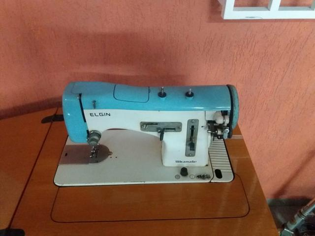 Máquina de costura Elgin ultramatic