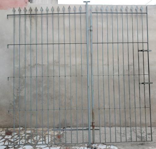 Portão e grade de ferro - Foto 2