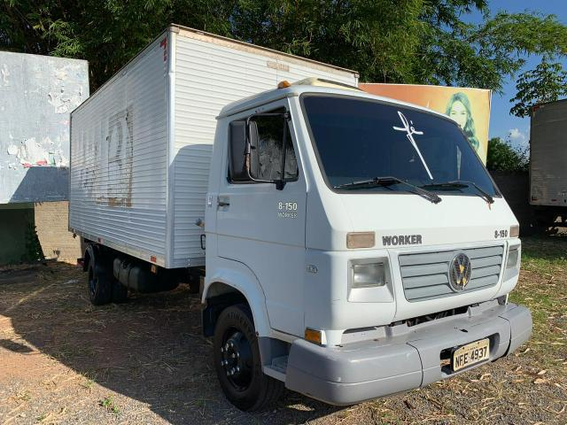 Caminhão 8-150 ano 2004 com baú Frigorífico