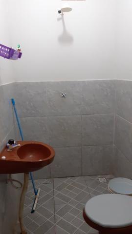 Vende-se está casa com um comércio,3banheiros,5comodos,2garagem.(bairro S.H) - Foto 2