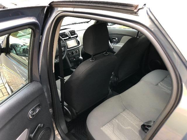 Renault Logan 1.6 Expression Flex 2018 - Foto 8