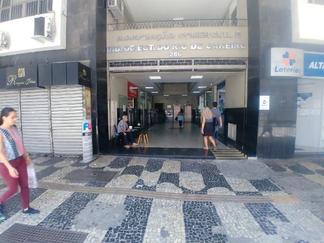 Sala comercial 50m² no Centro de Niterói - Av. Ernâni do Amaral Peixoto - Foto 2