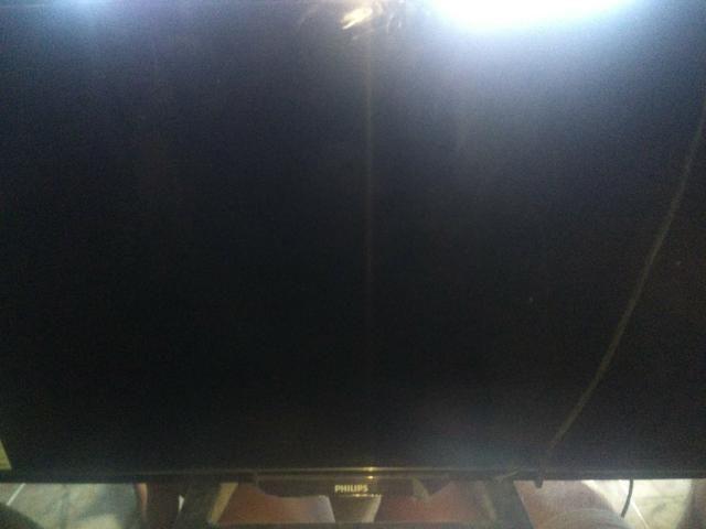 TV PHILIPS 32 polegadas com tela quebrada