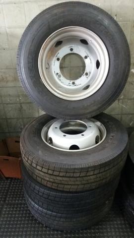 Vendo quatro pneus novos com rodas do acello - Foto 6