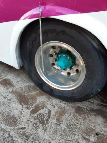 Vendo 8 rodas de alumínio ( 1100x20) - Foto 2