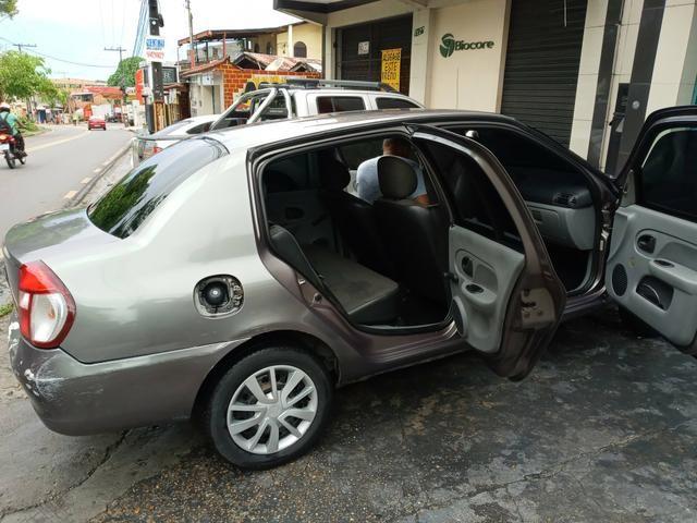 Clio Sedan authentic 1.0 - Foto 4