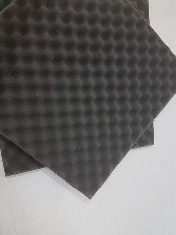 Espuma Acústica Perfilada Caixa de Ovo 500x500x25mm