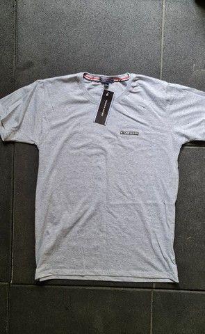 Torrando Lote de Camisetas - Peruana TOP - Foto 5