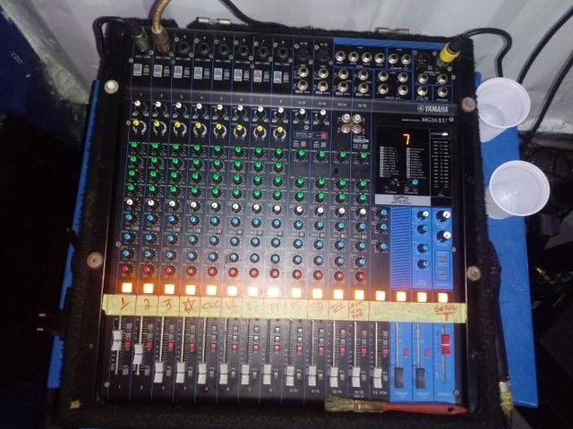 Mesa de Som Yamaha 16 canais 4 aux. - Foto 3