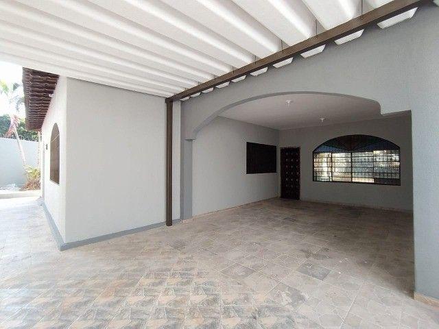 Linda Casa Amambai Próxima do Centro com 4 Quartos**Venda** - Foto 6