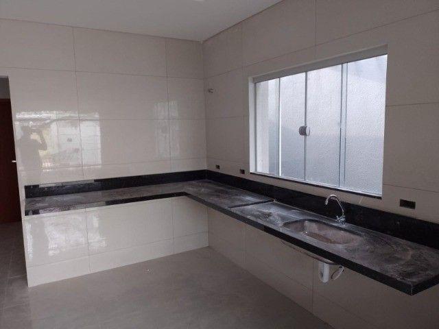 Casa nova com acabamento fino, no bairro Figueiras do Park! - Foto 6