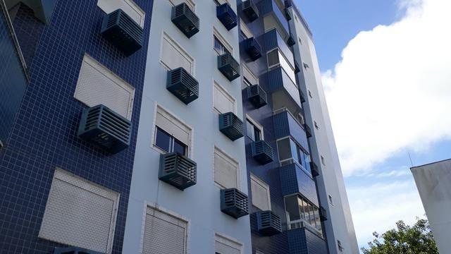 Apartamento 3 dormitórios suite semimobiliado no Itacorubi