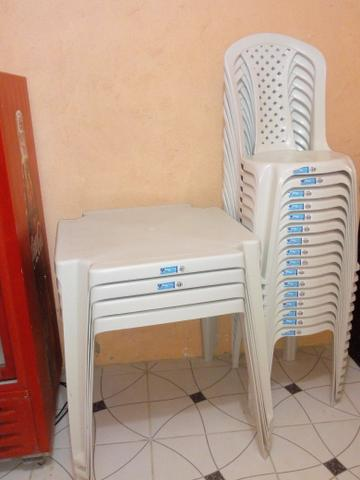 Frizer porta de corre e 4 conjunto de mesa e cadeiras