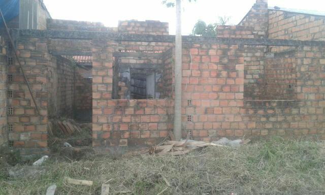 Vendo terreno com casa em construção - Foto 3