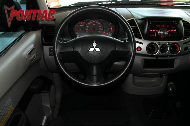 Mitsubishi L200 Triton 3.2 Glx Diesel 2017 - Foto 9