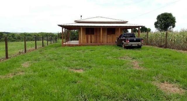 Chácara à 600 metros do Parque da FenaMilho, (AR2128)