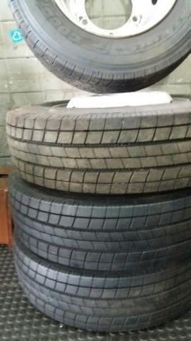 Vendo quatro pneus novos com rodas do acello - Foto 3