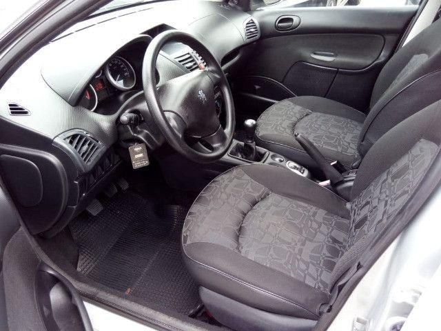 Peugeot 207 XR 1.4 Flex 2010 - Foto 9