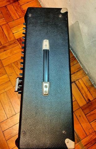Amplificador Fender Ultimate Chorus 130w Marshall Vox Orange laney blackstar peavey - Foto 3