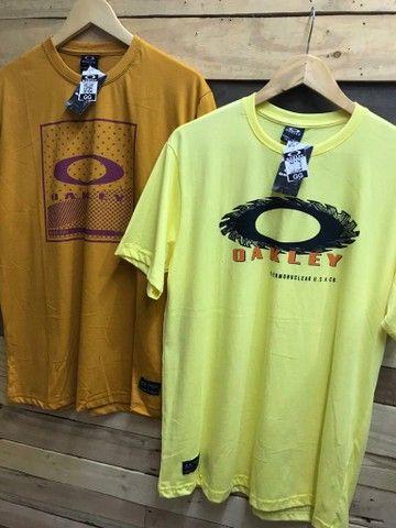 Camiseta básica R$ 28.00 cada, à vista  - Foto 4