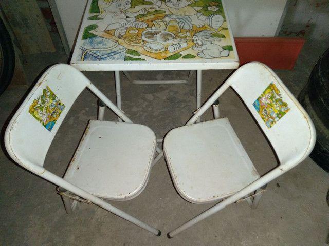 Conjunto infantil, mesa c2 cadeiras preço de desapego - Foto 2