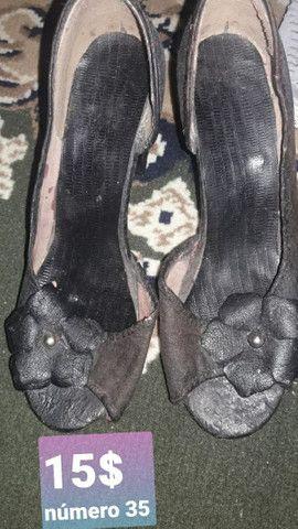 Sandálias usadas e seminovas - Foto 5