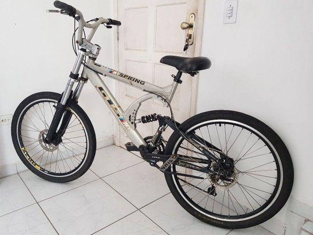 Bicicleta de Aluminio Profissional Aro 26 - Foto 6