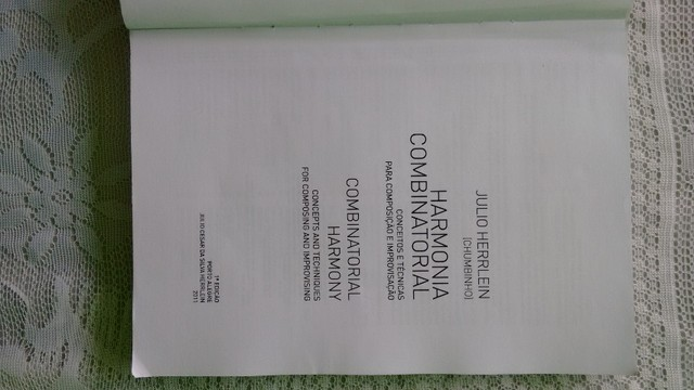Livro Harmonia Combinatorial Julio Herrlein Combinatorial Harmony - Foto 2