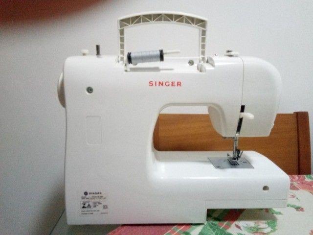 Máquina de Costura Singer Tradition 2250 220v - Foto 2