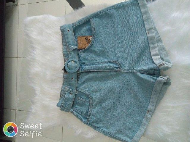 Short jeans com cinto - Foto 2