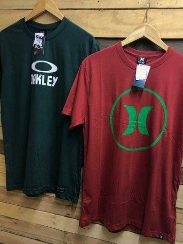 Camiseta básica R$ 28.00 cada, à vista  - Foto 5