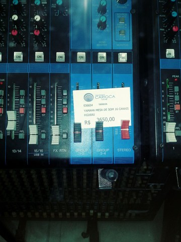 Mesa de Som Yamaha 16 canais 4 aux.