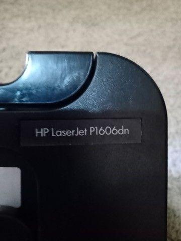 Impressora HP laserJet P1606dn - Foto 2
