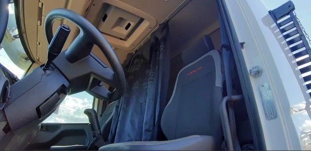 Caminhão 24280 Cabine leitto, Teto baixo Truck 6x2 Volkswagen - Foto 5