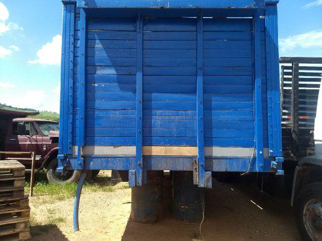 Gaiola boiadeiro para caminhão toco.