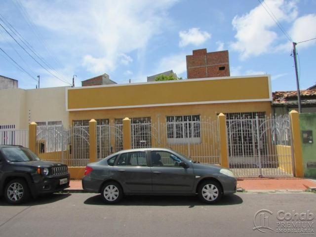 Casa na rua divina pastora no centro com +-330m²