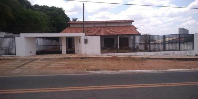 Mega Imóveis Cariri, vende excelente casa no bairro Grangeiro - Crato CE