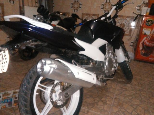 Vendo uma moto feize top de linha toda legalizada so no ppnto de transferi - Foto 3