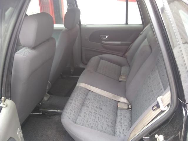 Volkswagen santana confortline, 4 portas, cor preto, completo, alcool e gnv - Foto 9
