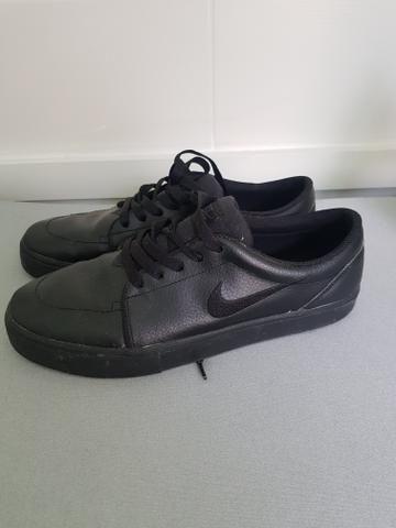 3885917bbfa Tênis Nike de couro - Roupas e calçados - Cajuru