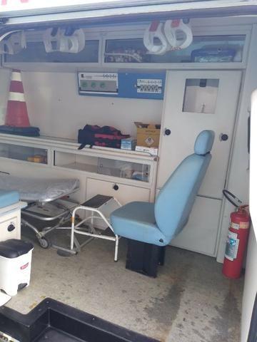 Ambulância - Foto 5
