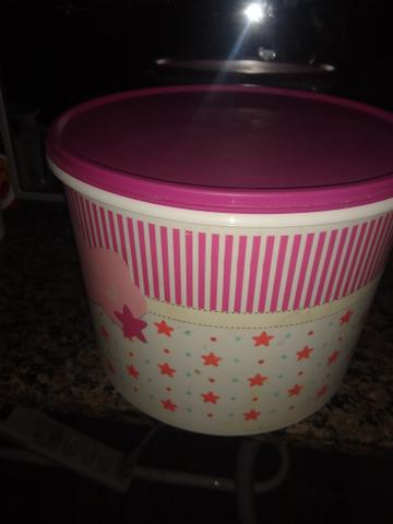 Kit com duas Tupperware lindas