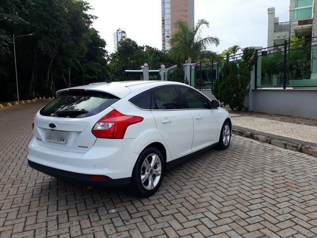 Focus 1.6 SE Aut. 2014 Completão!